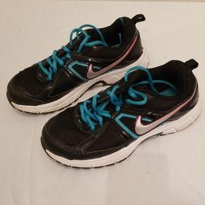 Nike Wonen Size 6 Black Green Shoes